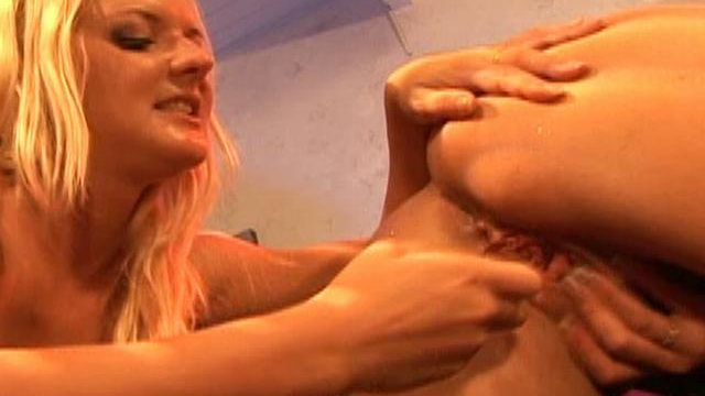 Barbara Summer Time And Crissy Cums Lick Each And Every Different's Smiling Dolphin