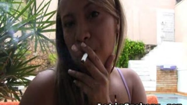 Total Figured Stunner Makes Smoking So Stunning