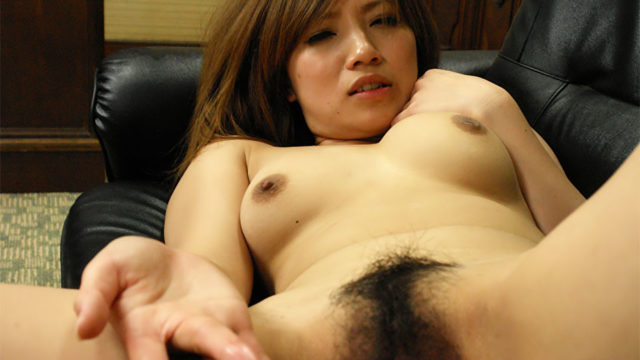Sizzling Slut Misaki Aiba Pays Together With Her Snatch
