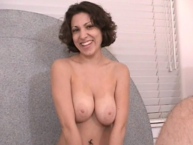 Big Meloned Brown-haired Honey Victoria Fellating A Immense Pipe With Passion