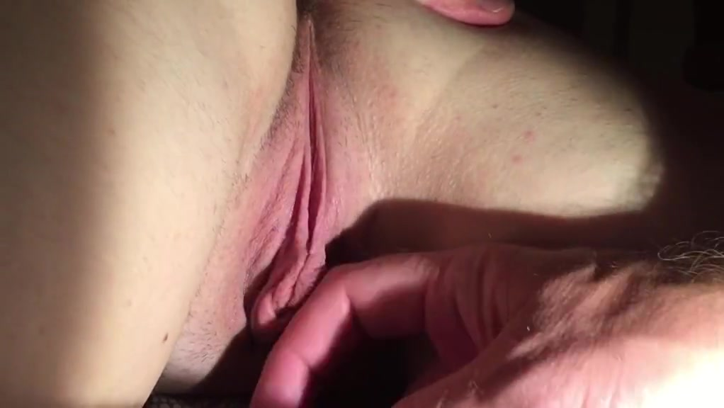 Wifey Ample Puss Have Fun Clamp Bud Pull Pinkish Fuckbox Shut Up