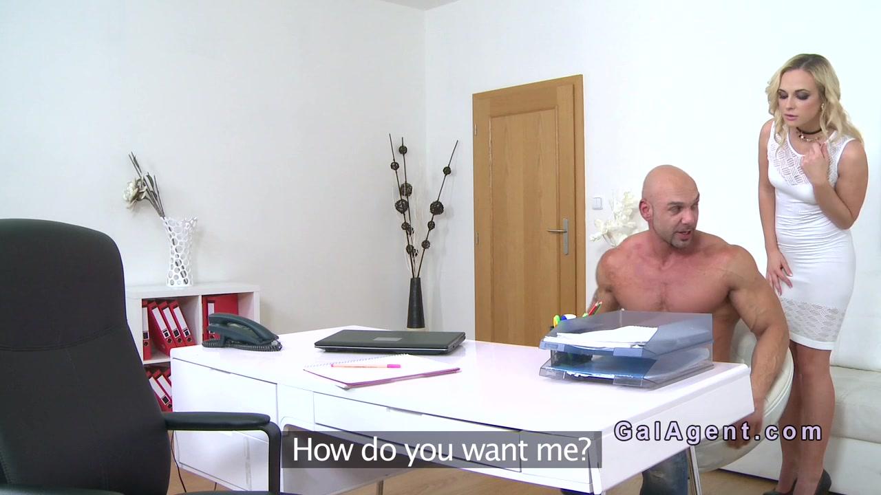 Super-fucking-hot Blond Damsel Agent Rails Muscular Stud