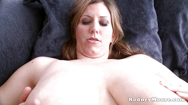 Kya Dakota Gigantic Kongas Maid Drilled