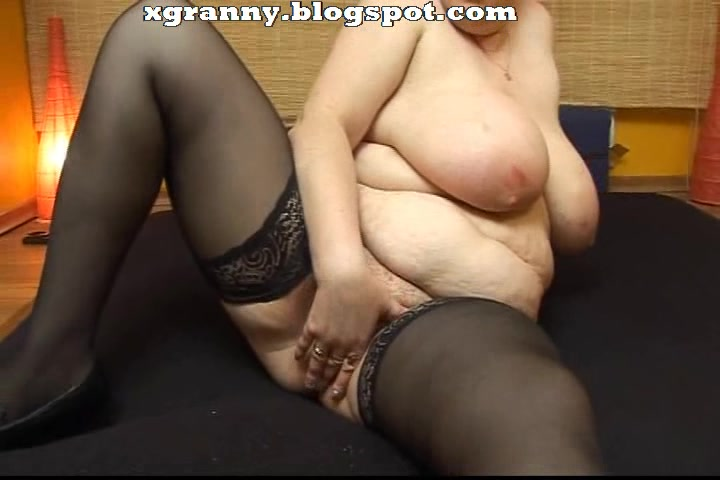 Bbw Mature Fake Penis Have Fun
