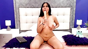 Stellar Bodacious Stunner Likes Her Fake Penis