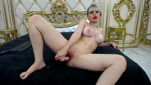 Luxurious Honey Needs To Have Fun With You